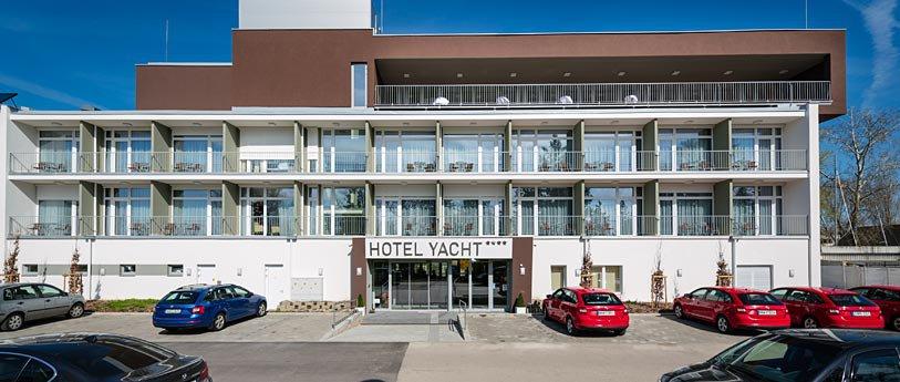 Hotel Yacht**** Wellness & Business