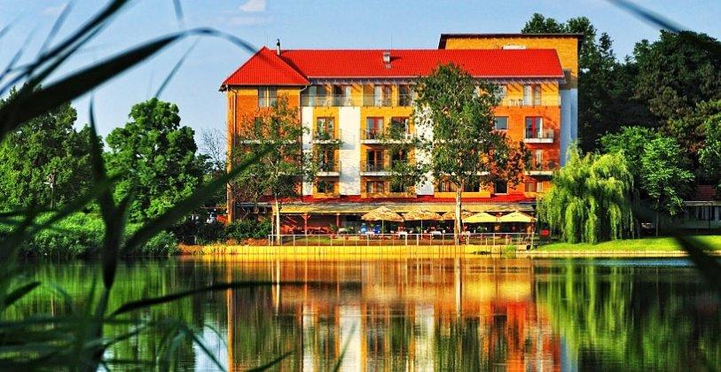 Tóparti szálloda - Hotel Corvus Aqua